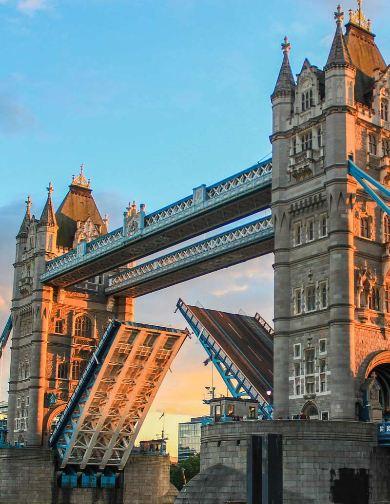London tour services: Tower Bridge
