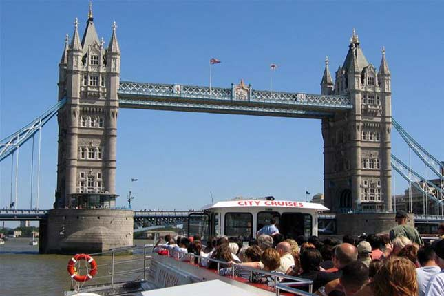 River cruises London tour
